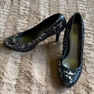 Sequin black and silver heels